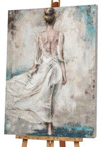 Rückenansicht Frau im weißen Kleid