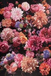 Flower bouquet in pink