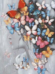 Beauté avec perruque papillon