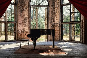 Atmospheric grand piano