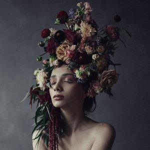 Beauty with flower wig II