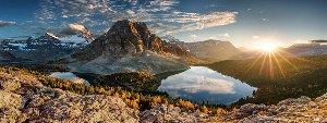 Bergpanorama mit See