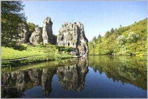 Schottische Landschaft mit Fluß