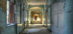 Lost Place corridor 1