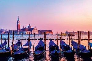 Gondolieren in Venedig