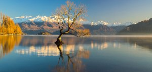 Panorama de montagne avec lac